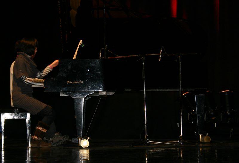 piano_a_quatre_mains___les_heroines_de_la_plaine_.jpg