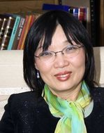 Présidente de    l'association    Peiwen WANG